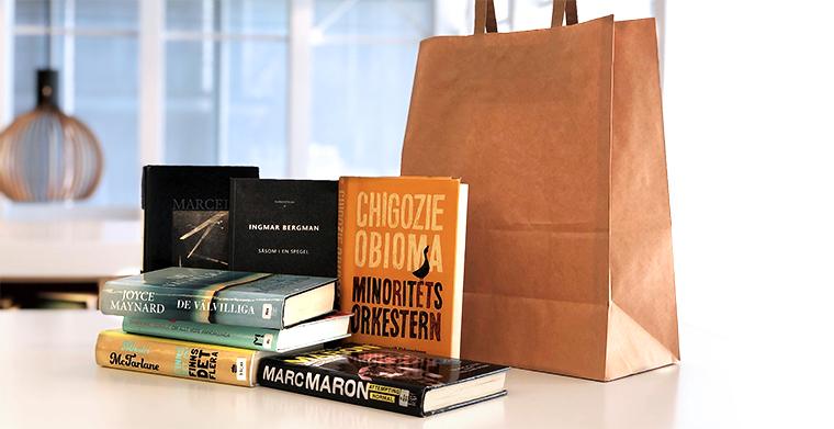 Bokkasse med böcker