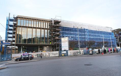 Nu börjar fasaden bli klar! Foto Anja Sjögren