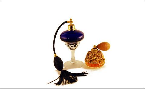 Antika parfymer - foto från Morguefile