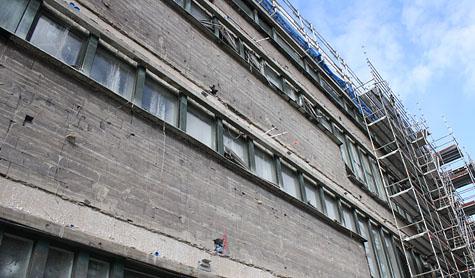 Riven fasad. Foto: Lisa Nylén